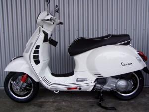Vespa GTS 300 ccm weiß 4T