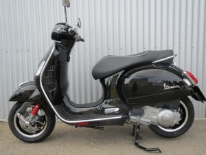 Vespa GTS300 schwarz
